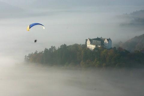 Schloss Lichtenberg im Nebel